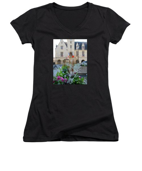 Libourne Town Hall Women's V-Neck T-Shirt