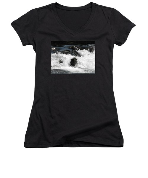 Liquid Art Women's V-Neck