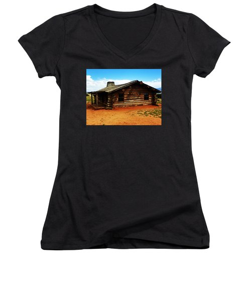 Log Cabin Yr 1800 Women's V-Neck (Athletic Fit)