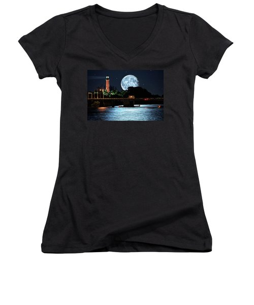 Mega Super Moon Rising Over Jupiter Lighthouse Women's V-Neck