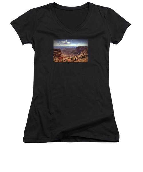 Mesas And Canyons Women's V-Neck