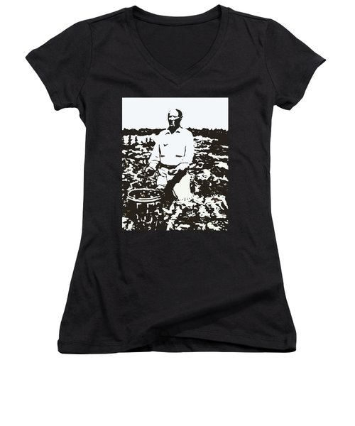 Migrant Farmer Women's V-Neck T-Shirt