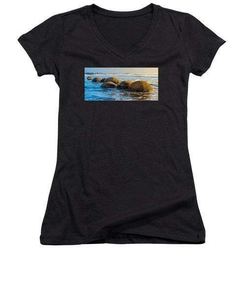 Moeraki Boulders Women's V-Neck T-Shirt