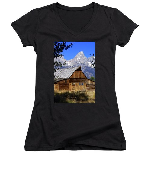Mormon Row Barn  1 Women's V-Neck T-Shirt