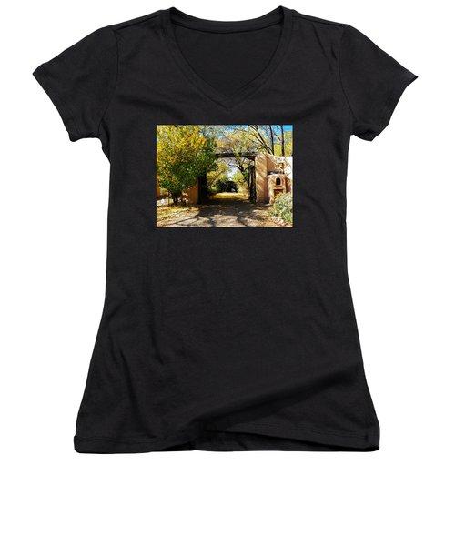 New Mexico Adobe Women's V-Neck T-Shirt