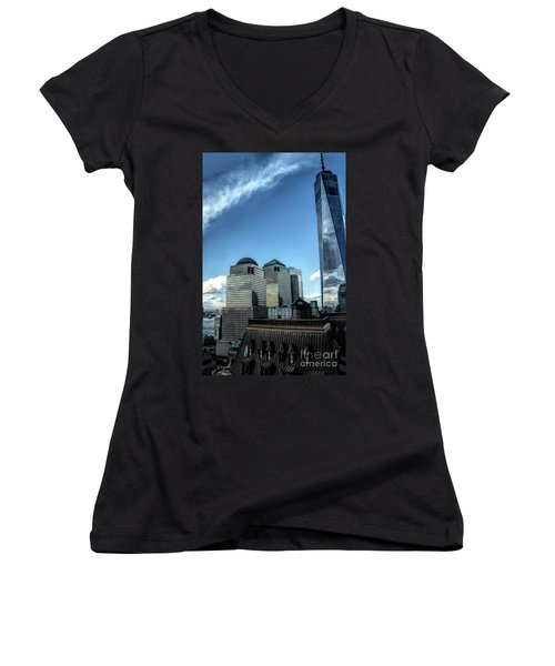 New York Financial District Women's V-Neck (Athletic Fit)