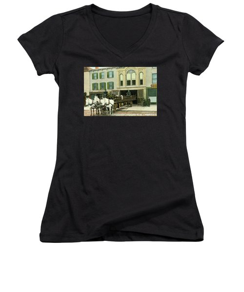 Newburgh Broadway - 07 Women's V-Neck (Athletic Fit)