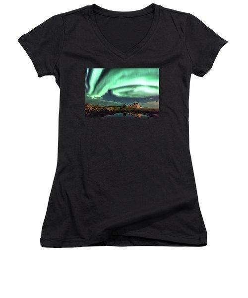 Northern Lights Women's V-Neck T-Shirt (Junior Cut) by Frodi Brinks