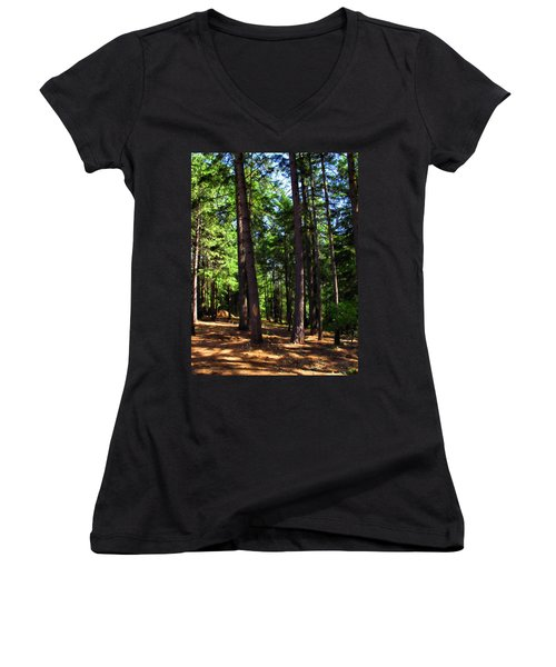 Oakrun Forest Women's V-Neck (Athletic Fit)