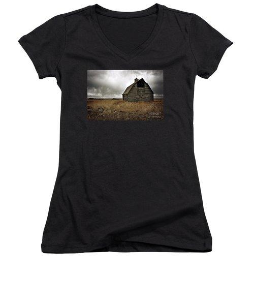 Old Barn Women's V-Neck T-Shirt (Junior Cut) by Linda Bianic