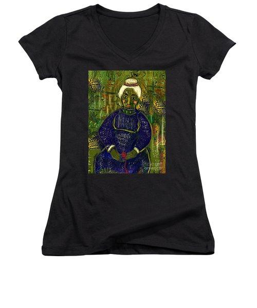 Old Storyteller Women's V-Neck T-Shirt