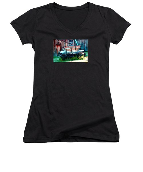 old Wagon In Bodie Women's V-Neck