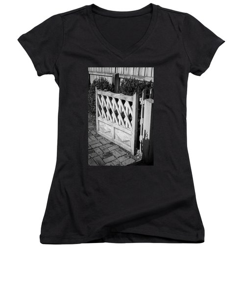 Open Garden Gate B W Women's V-Neck