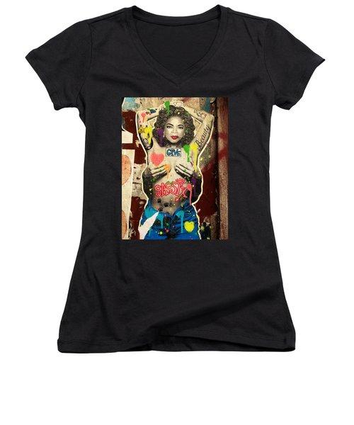 Oprah Winfrey Graffiti In New York  Women's V-Neck T-Shirt