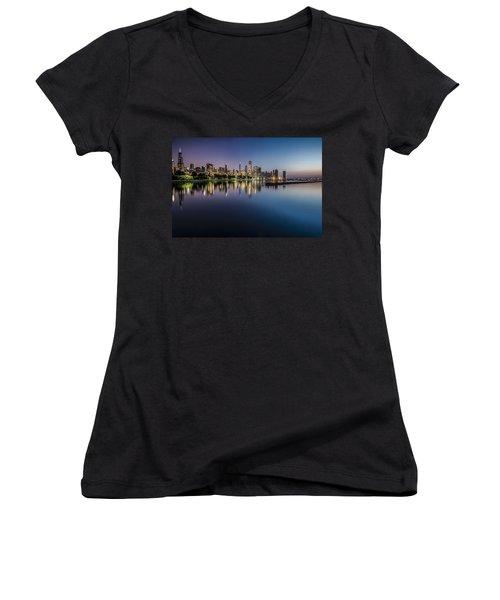 Peaceful Summer Dawn Scene On Chicago's Lakefront Women's V-Neck