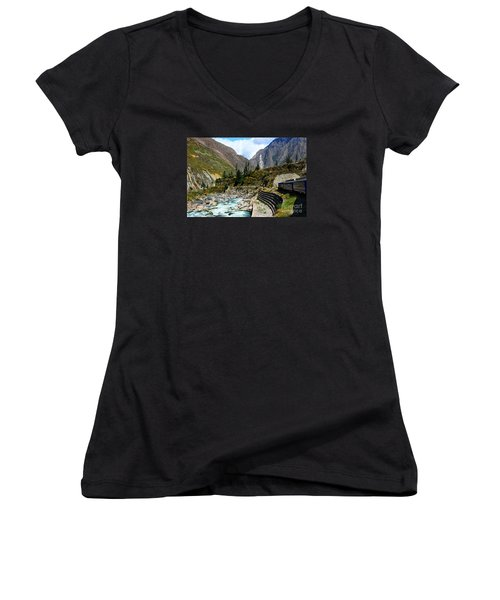 Peruvian Railway Women's V-Neck T-Shirt