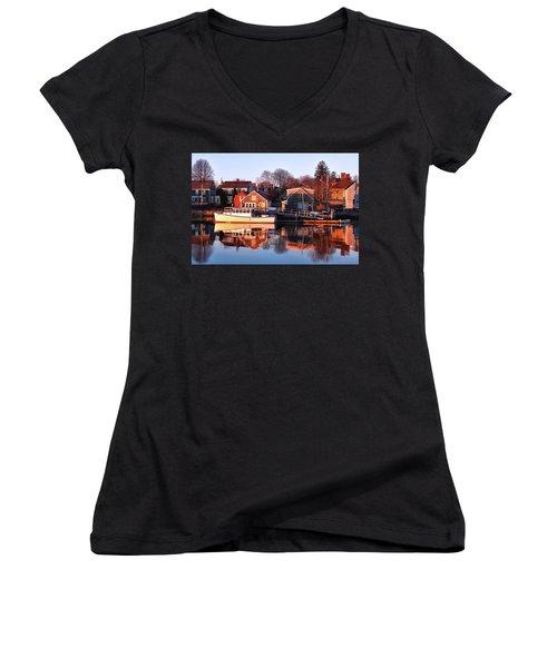 Portsmouth South End Sunrise Women's V-Neck T-Shirt