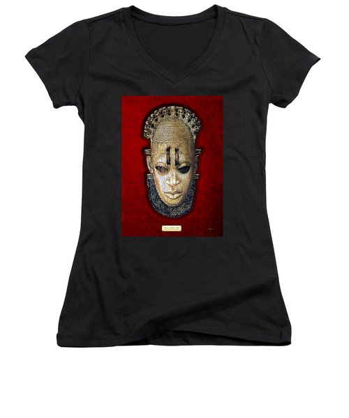 Queen Mother Idia - Ivory Hip Pendant Women's V-Neck T-Shirt