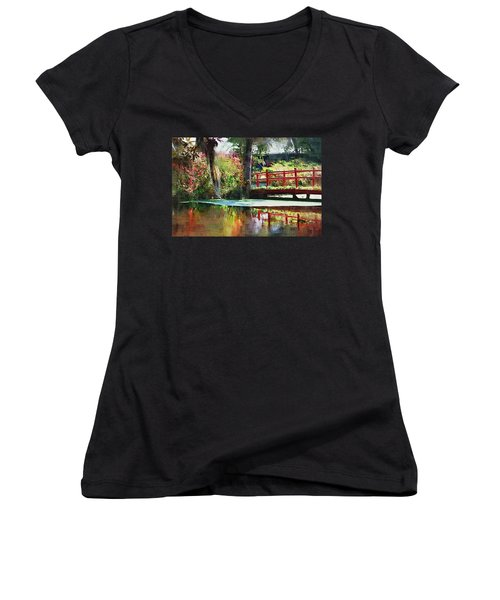Red Bridge Women's V-Neck