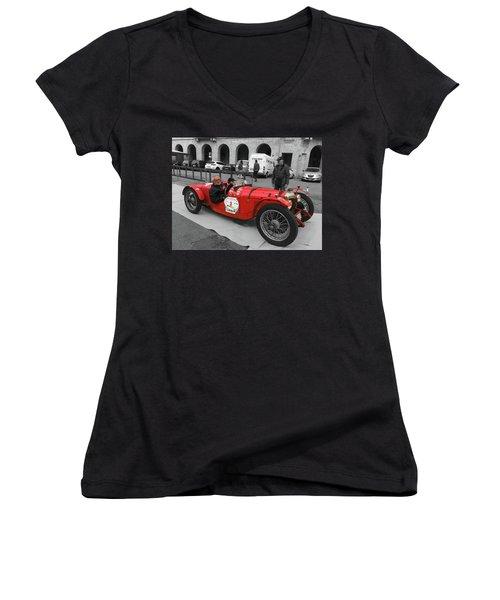 Retro Auto Fiat Balilla Women's V-Neck