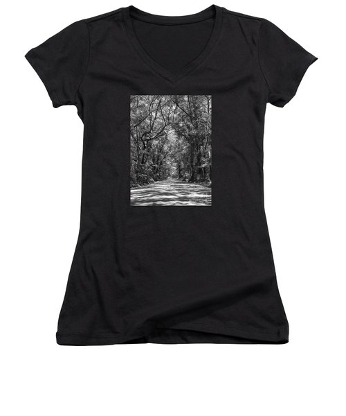 Road To Angel Oak Grayscale Women's V-Neck T-Shirt (Junior Cut) by Jennifer White