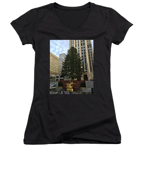 Rockefeller Center Christmas Tree Women's V-Neck