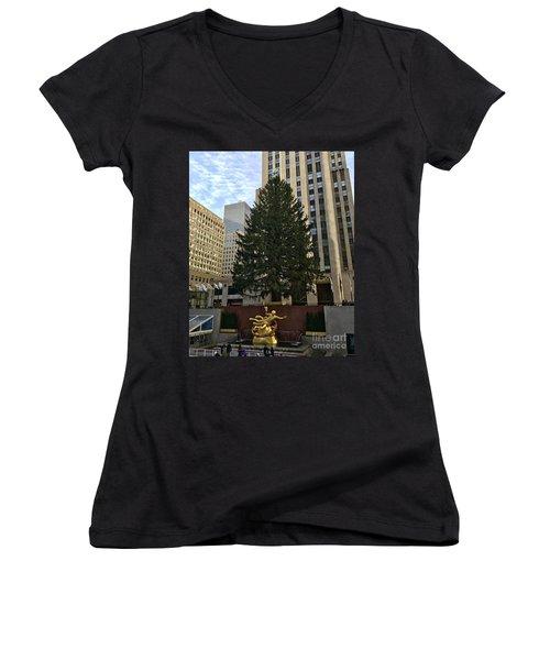 Rockefeller Center Christmas Tree Women's V-Neck