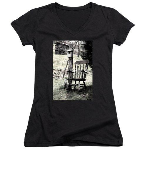 Rocking Chair Women's V-Neck T-Shirt