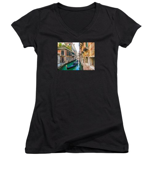 Romantic Gondola Scene On Canal In Venice Women's V-Neck T-Shirt