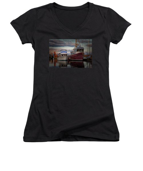 Women's V-Neck T-Shirt (Junior Cut) featuring the photograph Sea Rake by Randy Hall