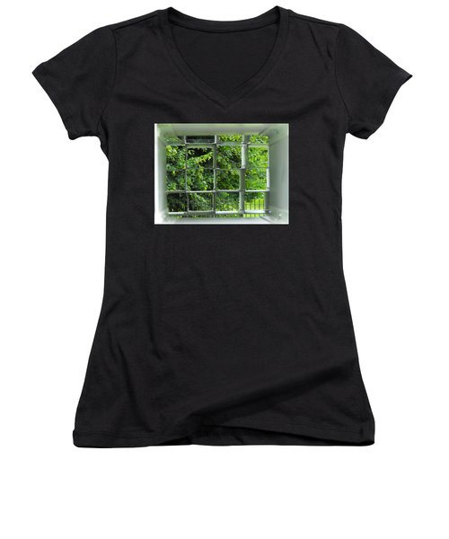 Serpentine Pavilion 03 Women's V-Neck T-Shirt