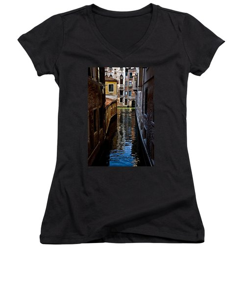 Side Canal Women's V-Neck (Athletic Fit)