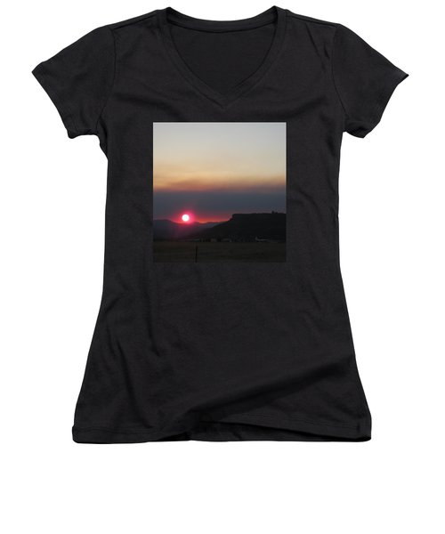 Women's V-Neck T-Shirt (Junior Cut) featuring the photograph Smoky Sunset Near Table Rock by Marie Neder