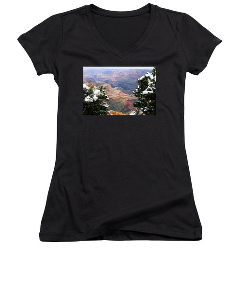 Snowy Dropoff - Grand Canyon Women's V-Neck (Athletic Fit)