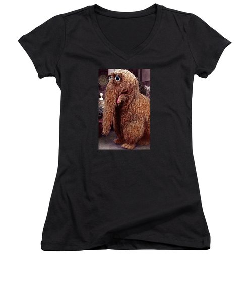 Snuffleupagus Women's V-Neck (Athletic Fit)