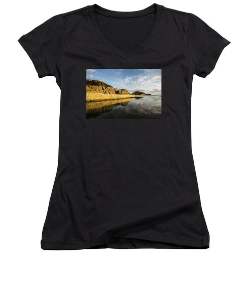 St Michaels Mount Cornwall  Women's V-Neck T-Shirt