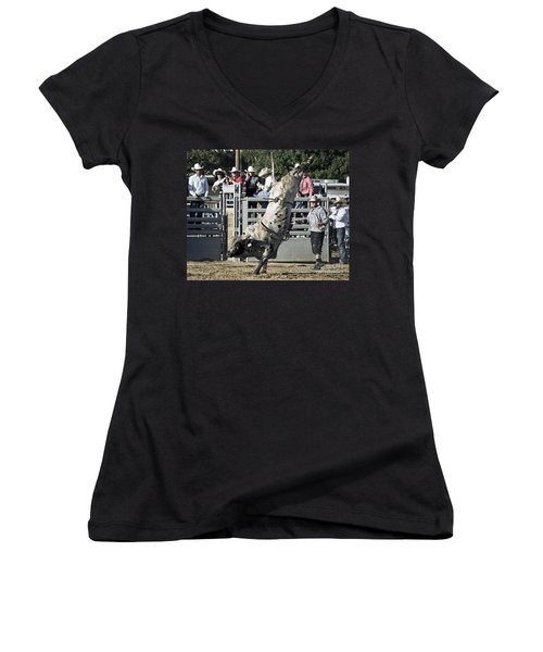 Stand Up Performance Women's V-Neck (Athletic Fit)