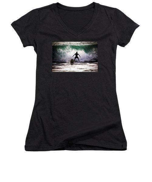 Standby Surfer Women's V-Neck T-Shirt (Junior Cut)