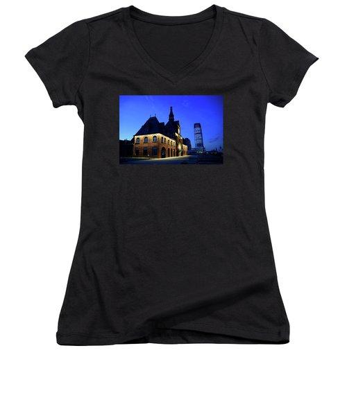 Station House Women's V-Neck T-Shirt