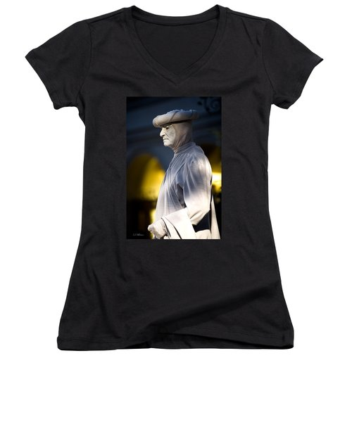 Statuesque Women's V-Neck
