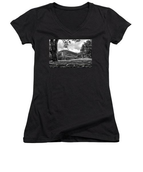 Sugar Plantation Ruins Bw Women's V-Neck