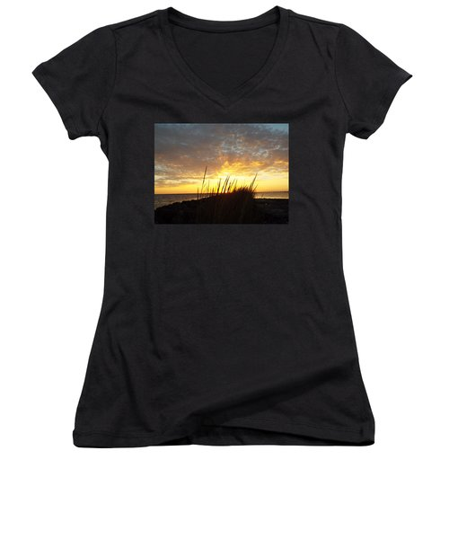 Sunset At Goose Island, Tx Women's V-Neck T-Shirt