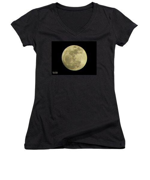 Super Moon March 19 2011 Women's V-Neck T-Shirt