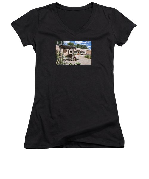 Taos Adobe Complex Women's V-Neck (Athletic Fit)