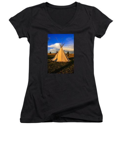 Teepee In Montana Women's V-Neck T-Shirt (Junior Cut) by Chris Smith