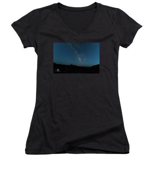 Women's V-Neck featuring the photograph The Milky Way At Goblin Valley by Jim Thompson