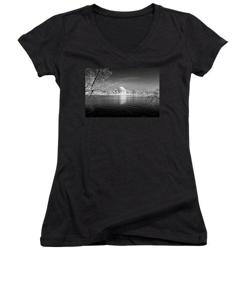 Tidal Basin Jefferson Memorial Women's V-Neck T-Shirt