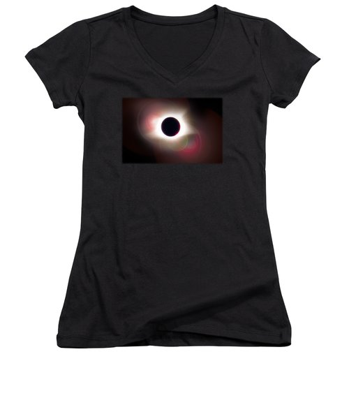 Total Eclipse Of The Sun T Shirt Art With Solar Flares Women's V-Neck T-Shirt