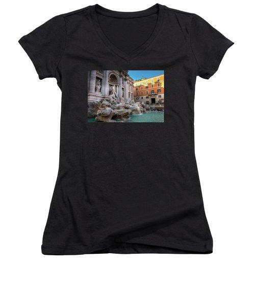 Trevi Fountain Women's V-Neck T-Shirt (Junior Cut)