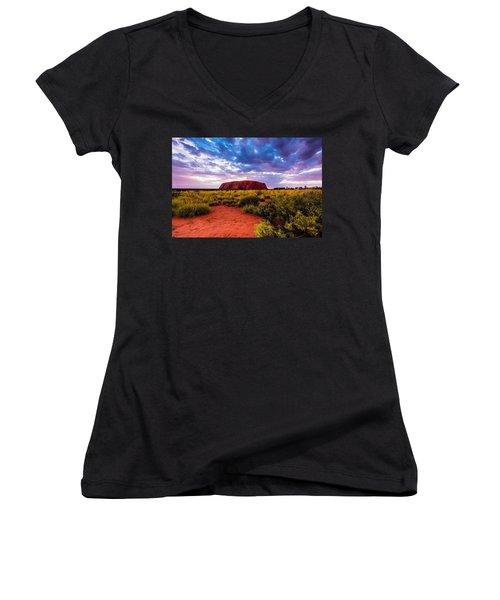 Uluru Women's V-Neck (Athletic Fit)
